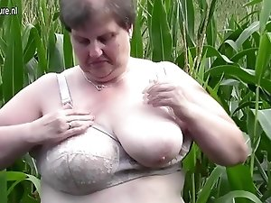 Big fat mama do this in a cornfield