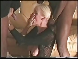 Plz fuck my wife with your big black cock (cuckold)