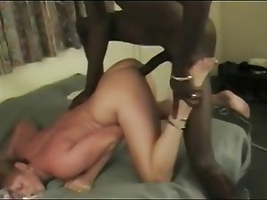 Husband films black bull gettin his nut in wife