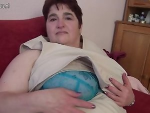 Mature bbw mom in white stockings dates25com