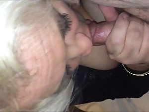 Amateur Grandma passionately sucking dick