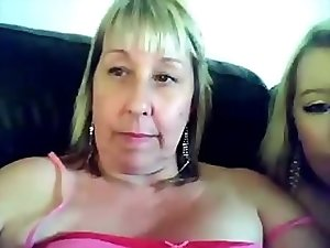 Not Mum and daughter - couple play on cam