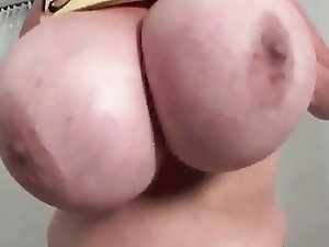 Who Else Likes Huge Natural Boobs???!!!!!