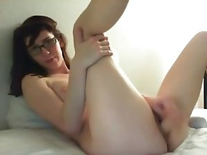Busty Nerdy Girl Masturbating On Cam